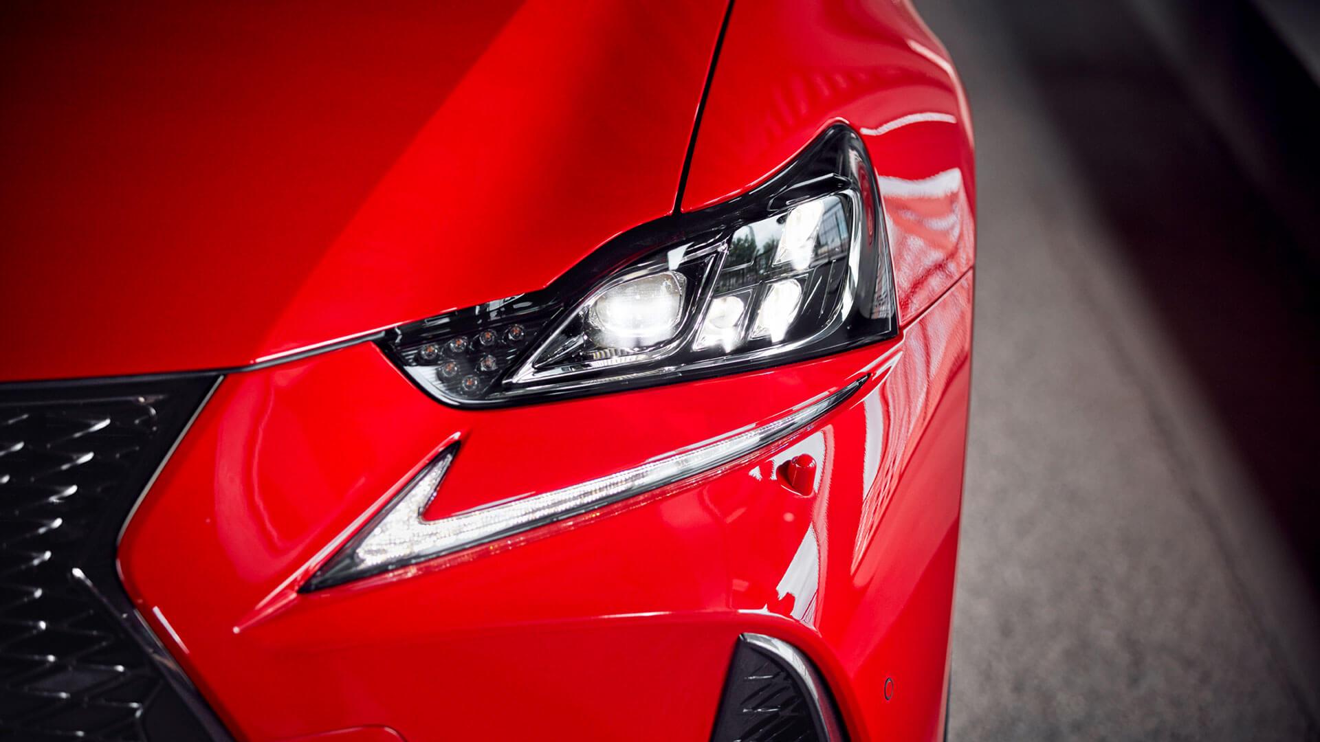Lexus IS Exterior Scheinwerfer