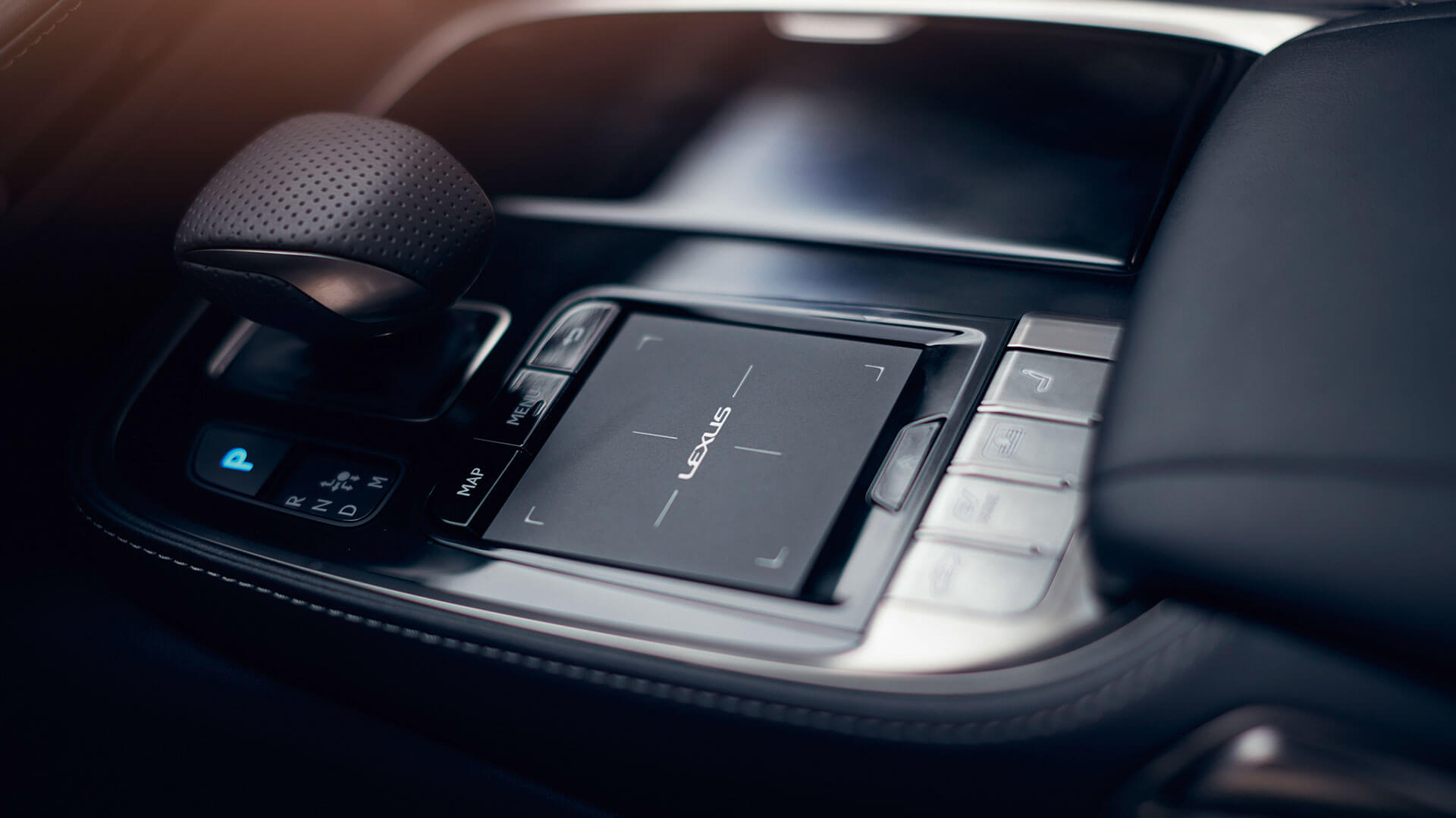 2018 lexus ls features touch pad