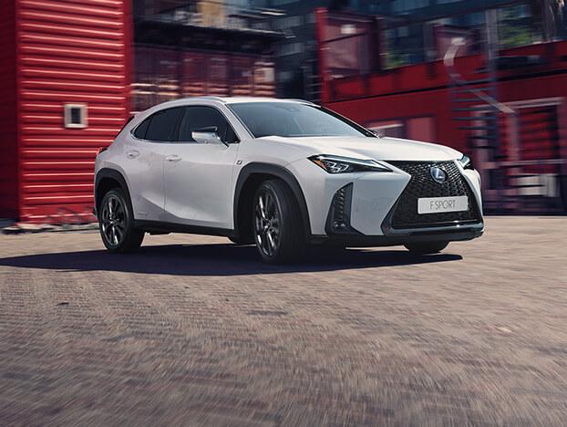 Lexus Hybrid weiß Seitenansicht