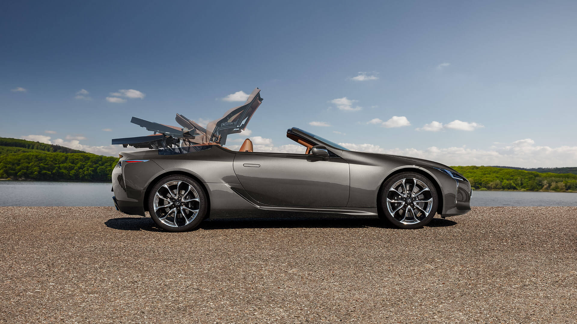 2020 lc convertible gallery 02