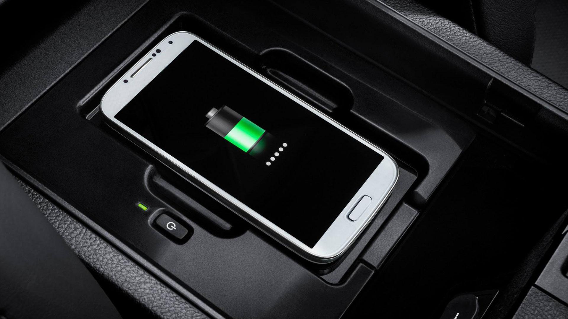 Recarga inalámbrica Lexus NX 300h hero asset