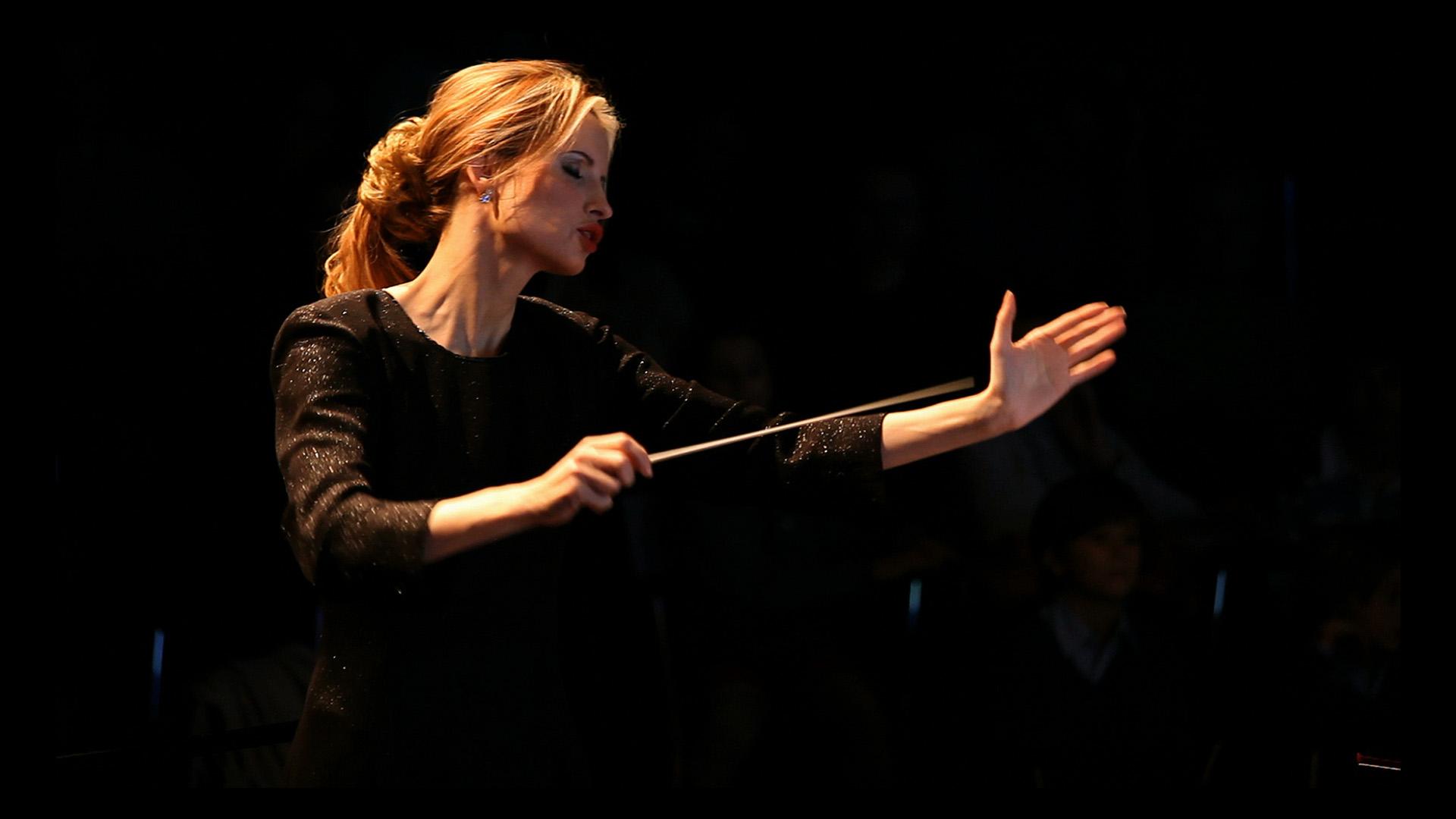 Lexus y la directora de orquesta Inma Shara en la primera edición de Premios de Excelencia Lexus