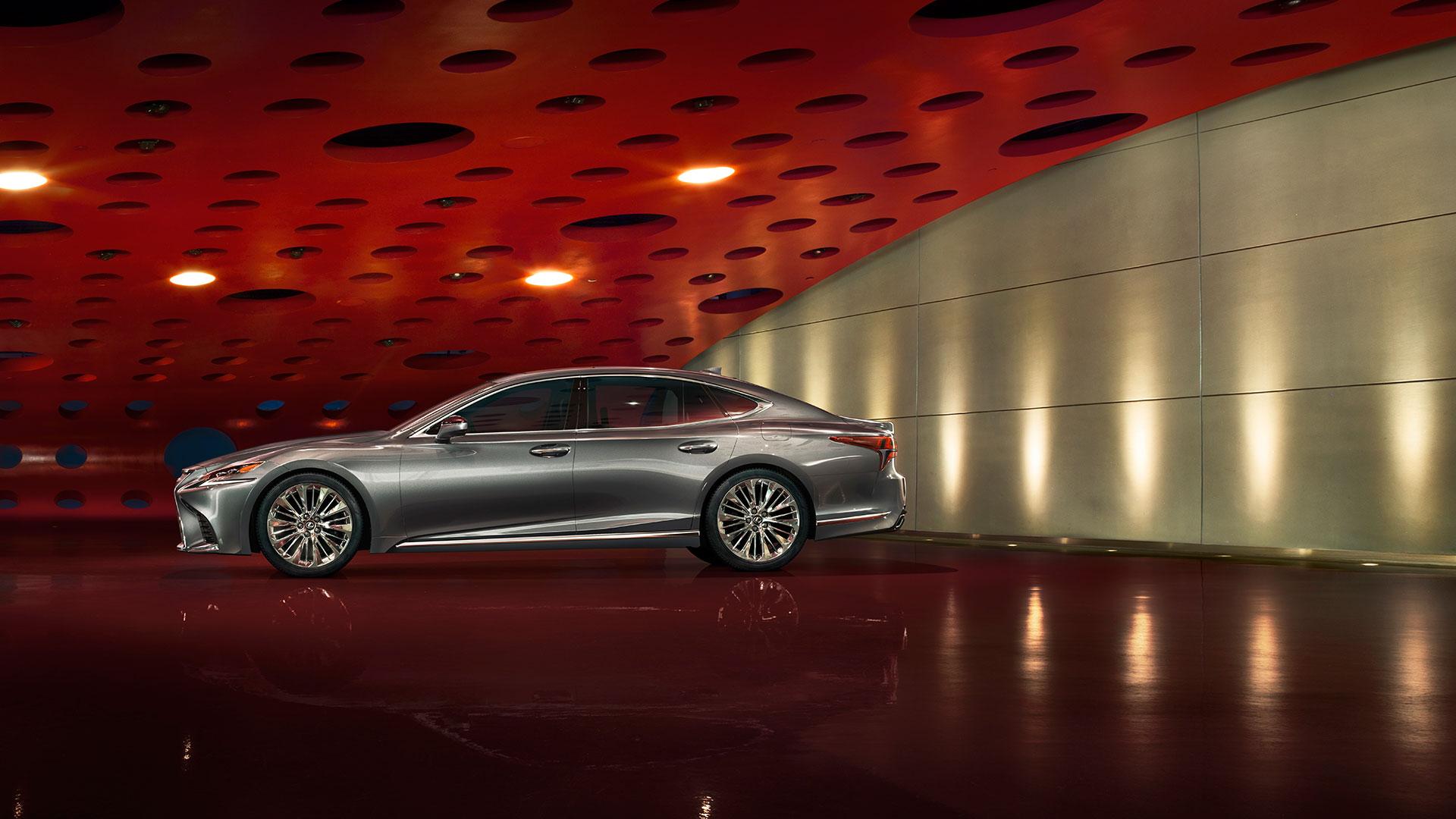 Nuevo y flamante LS 2018 Lexus reimagina su sedán hero asset