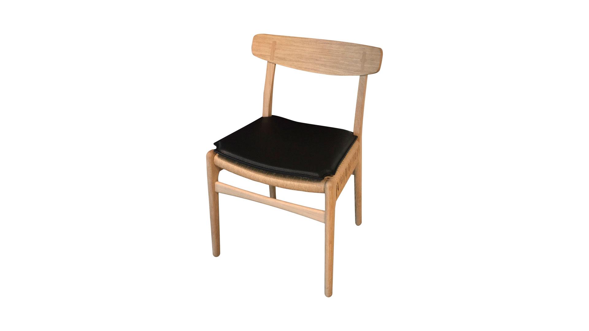Imágenes de mobiliario de la marca Carl Hansen Son
