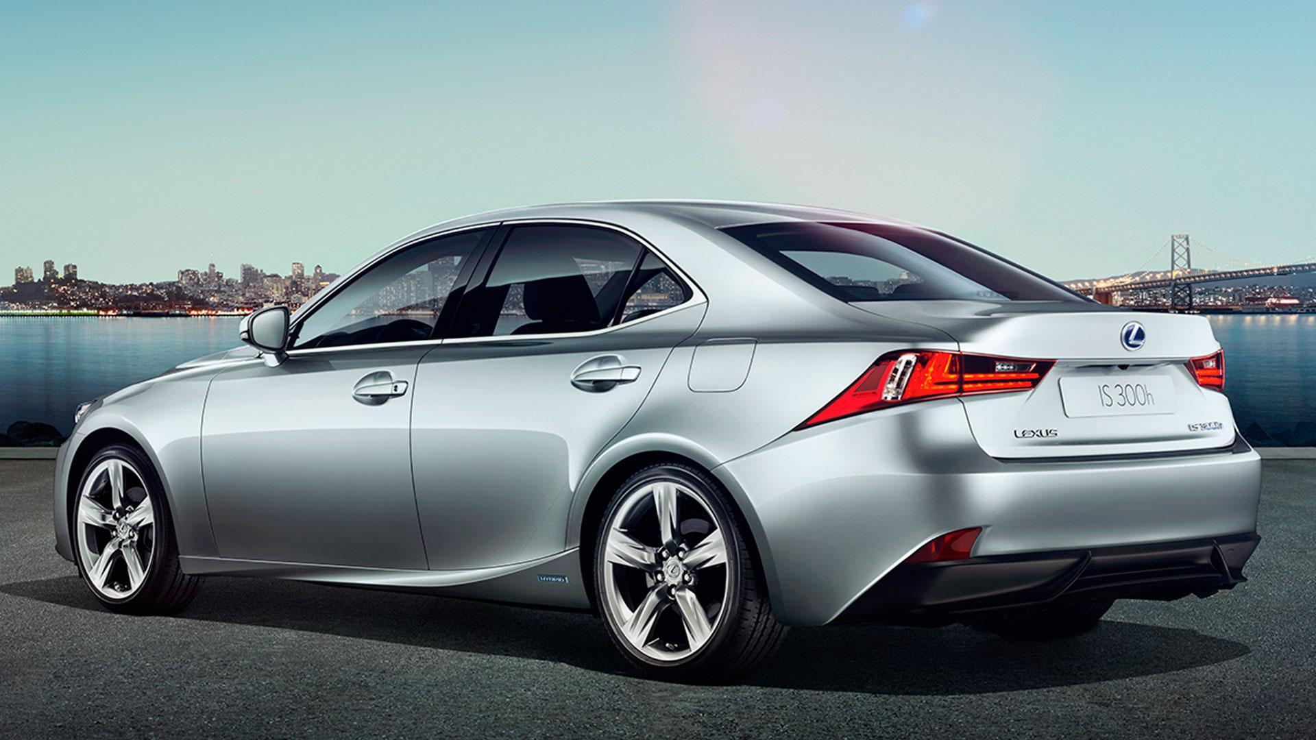 Lexus IS 300h híbrido 2015 hero asset