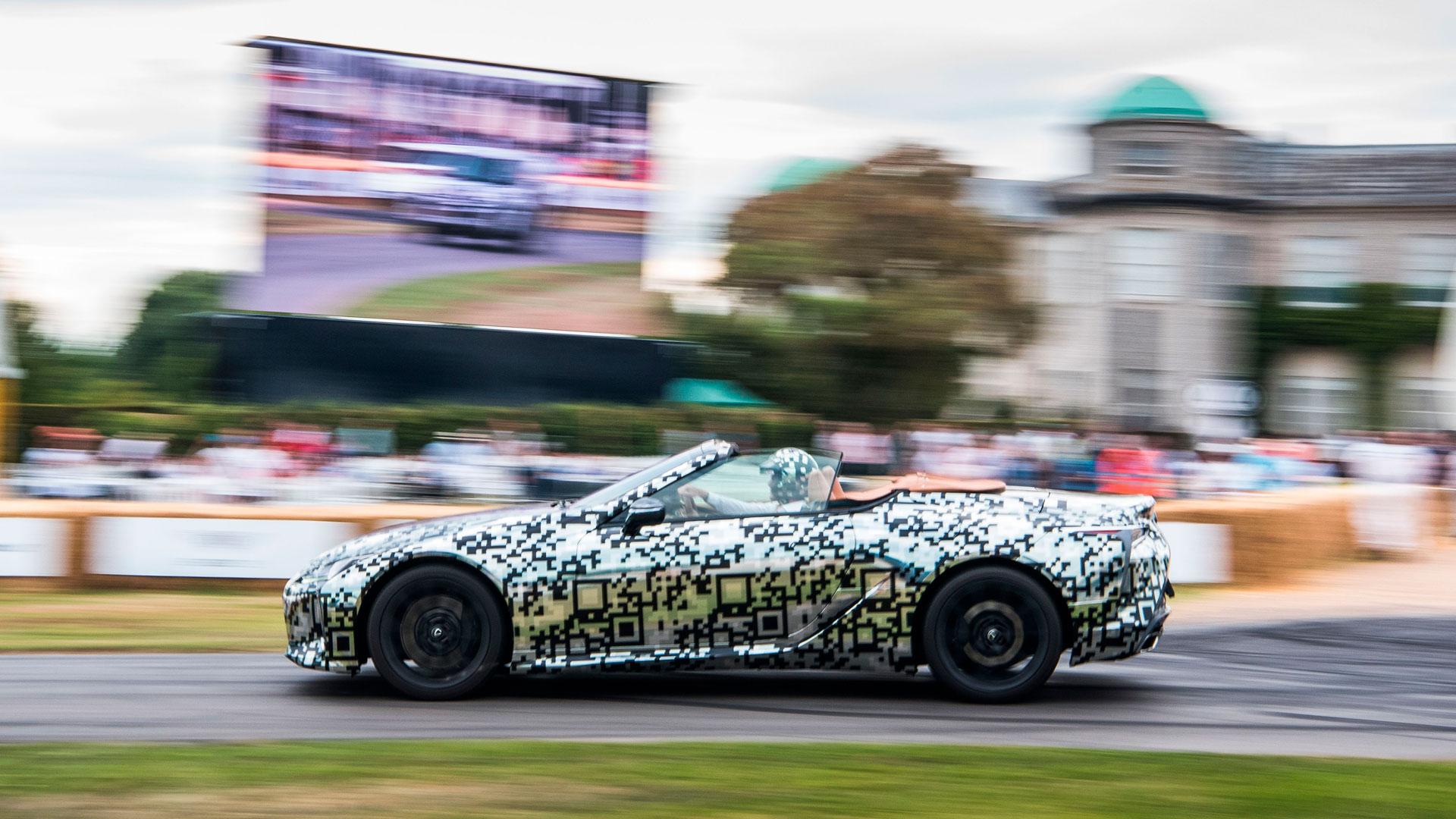 Imagen del nuevo LC descapotable en el Goodwood Festival of Speed
