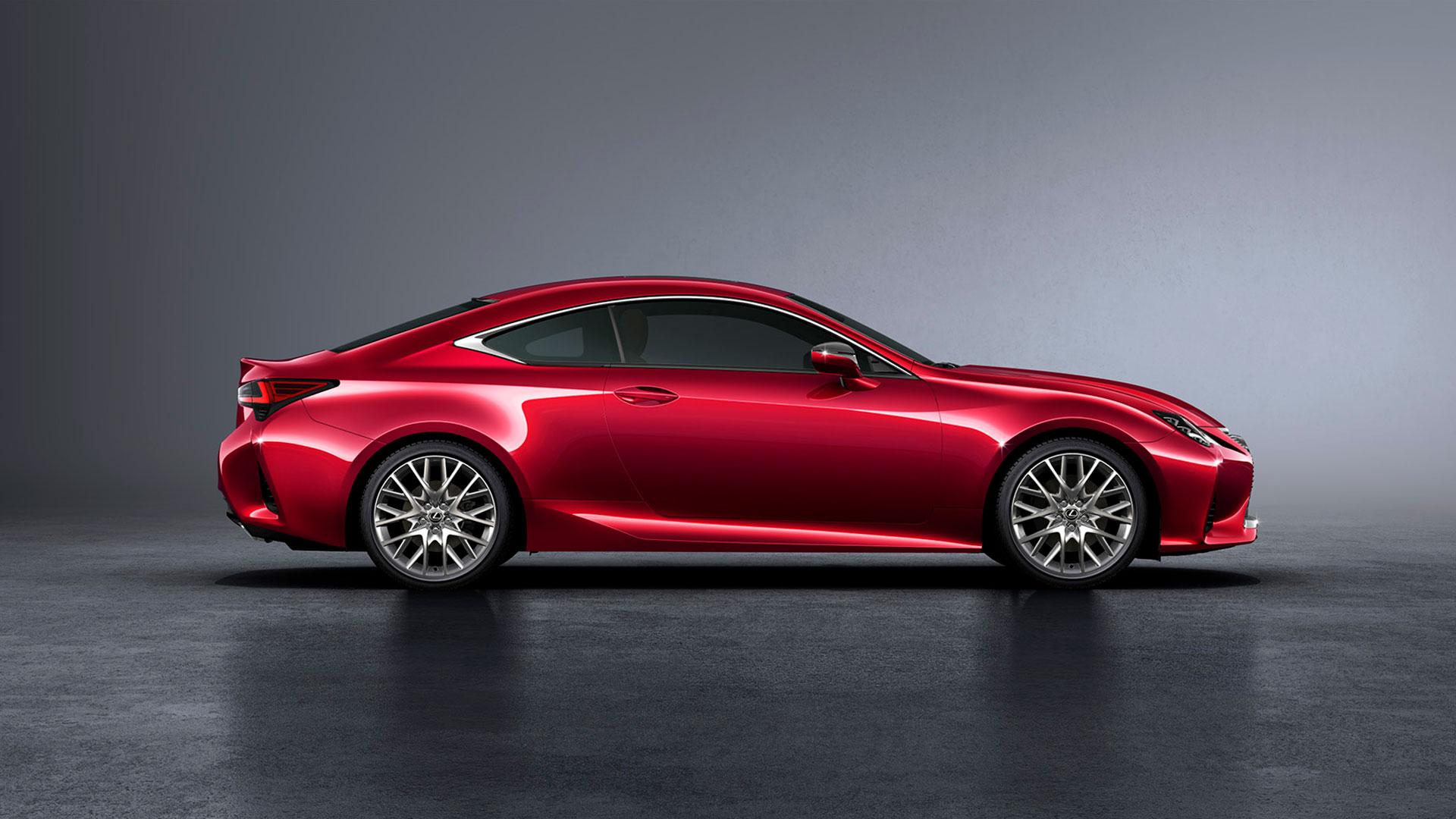 Imagen del nuevo coupé deportivo RC 300h en color rojo