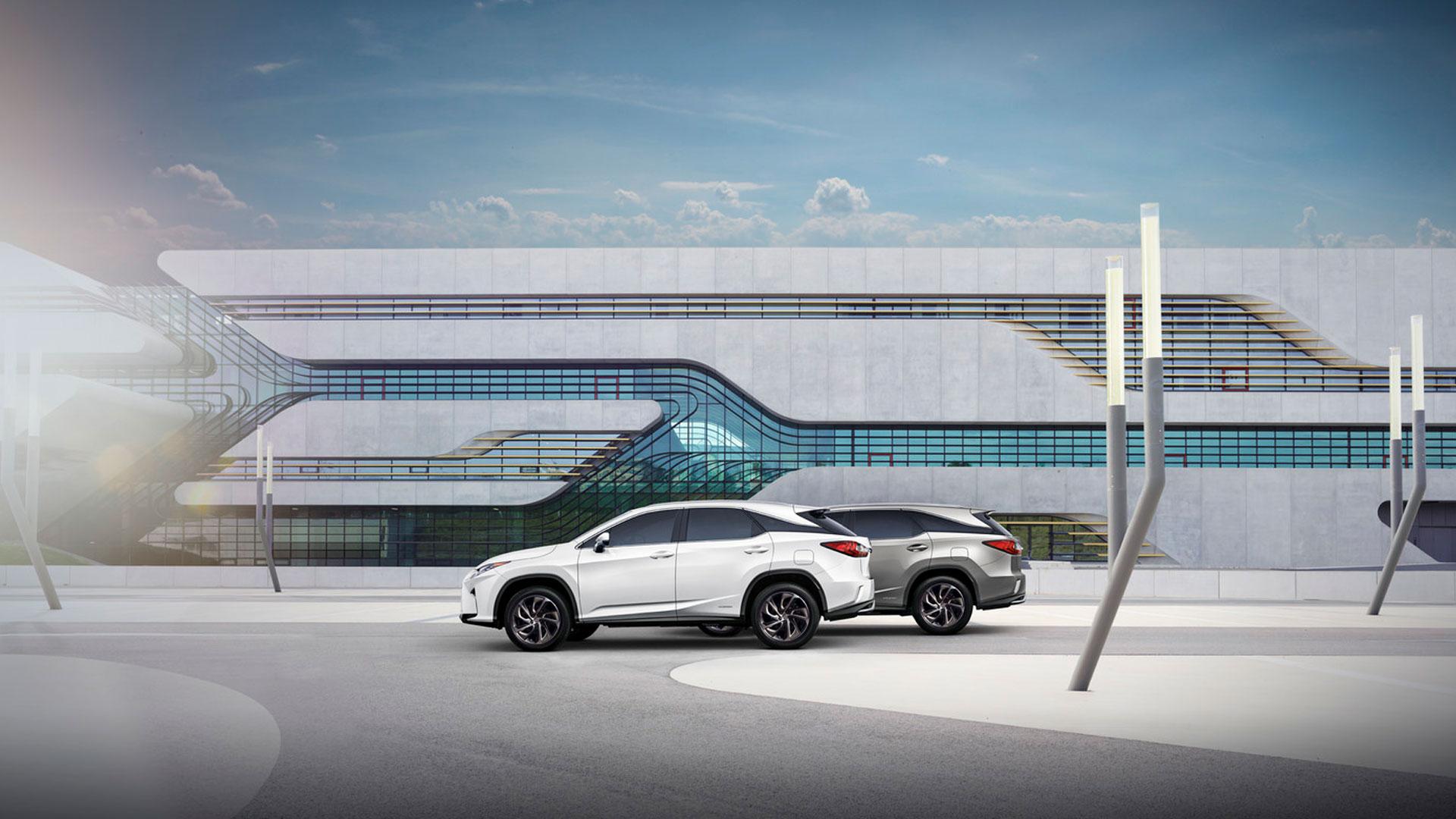 Nuevo Lexus RX L hero asset