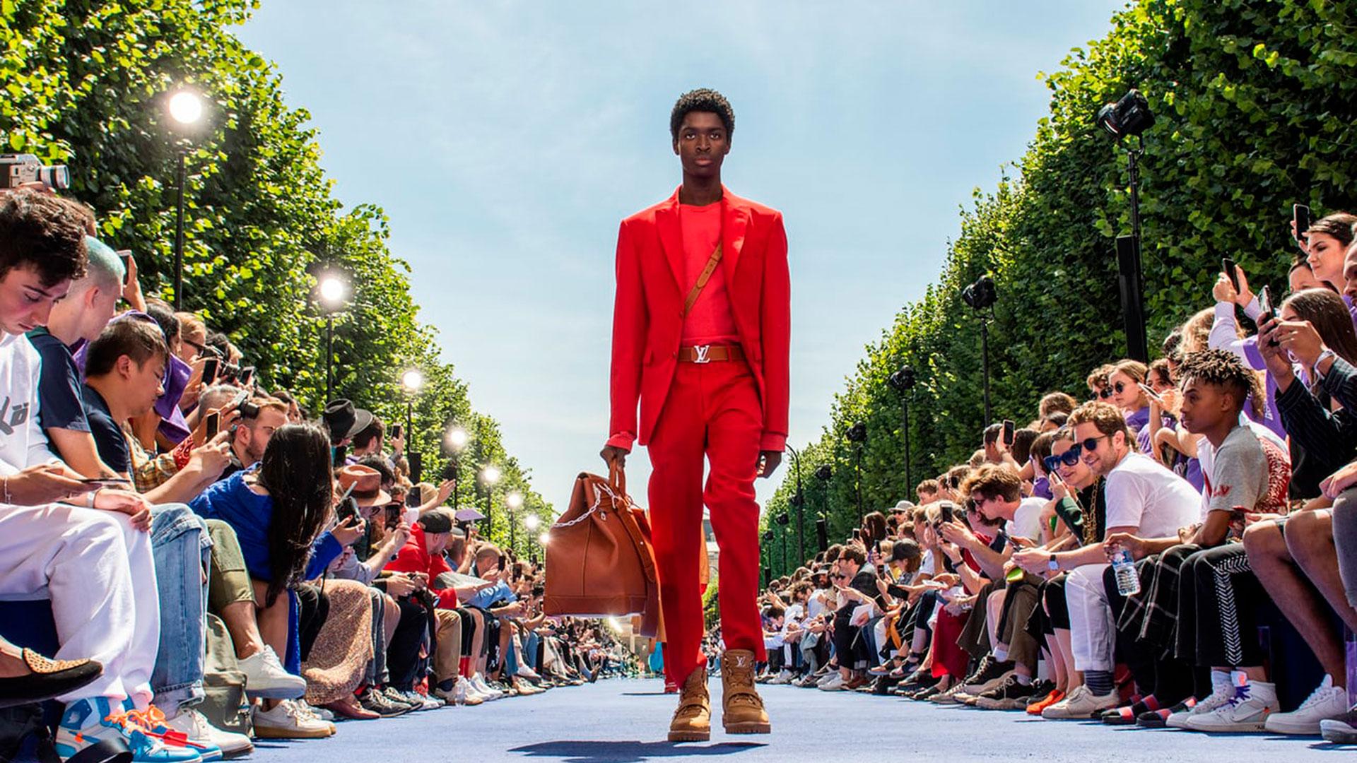 La primera colección de Virgil Abloh para Vuitton se impregna del afro