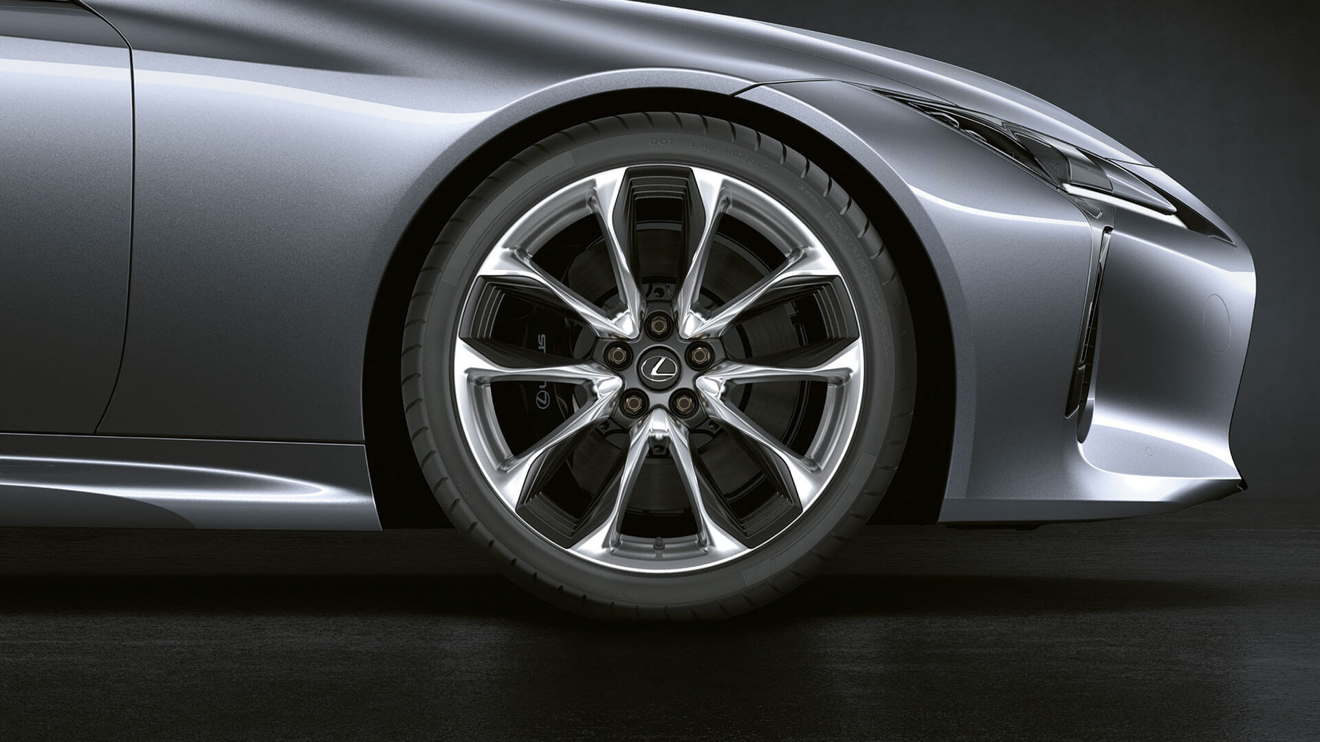 2017 lexus lc 500h features alloy wheels