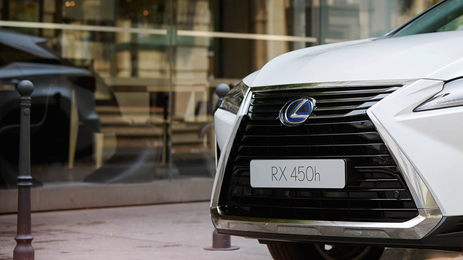 2018 lexus rx l features spindle grille