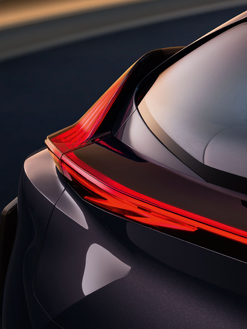 lexus ux section02 01