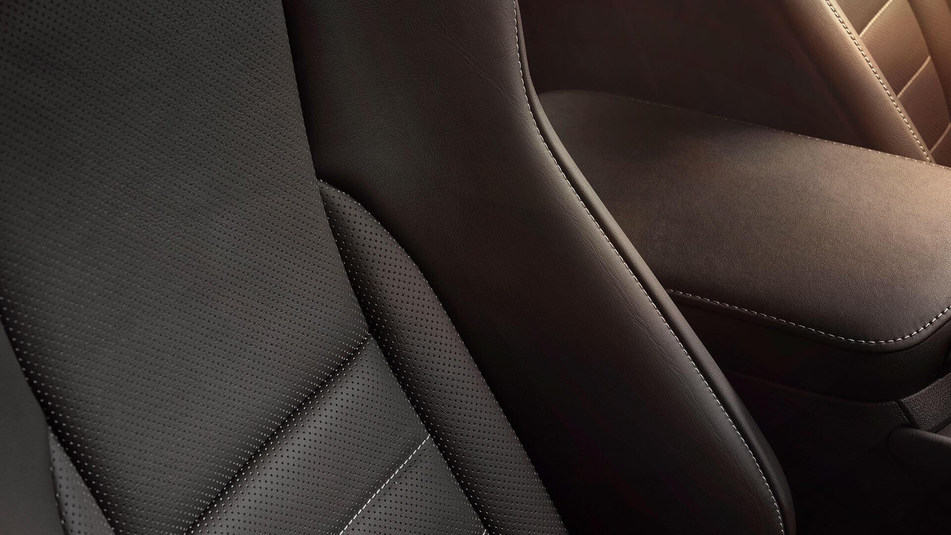 Zwarte bekleding van een Lexus NX 300h