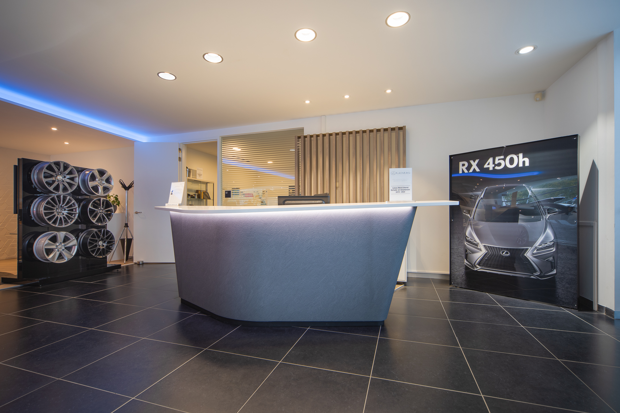 Showroom van Lexus Zwolle