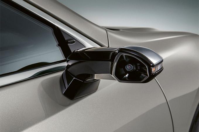 2020 006 digitale buitenspiegels voor Lexus ES IMG1 elegante compacte units