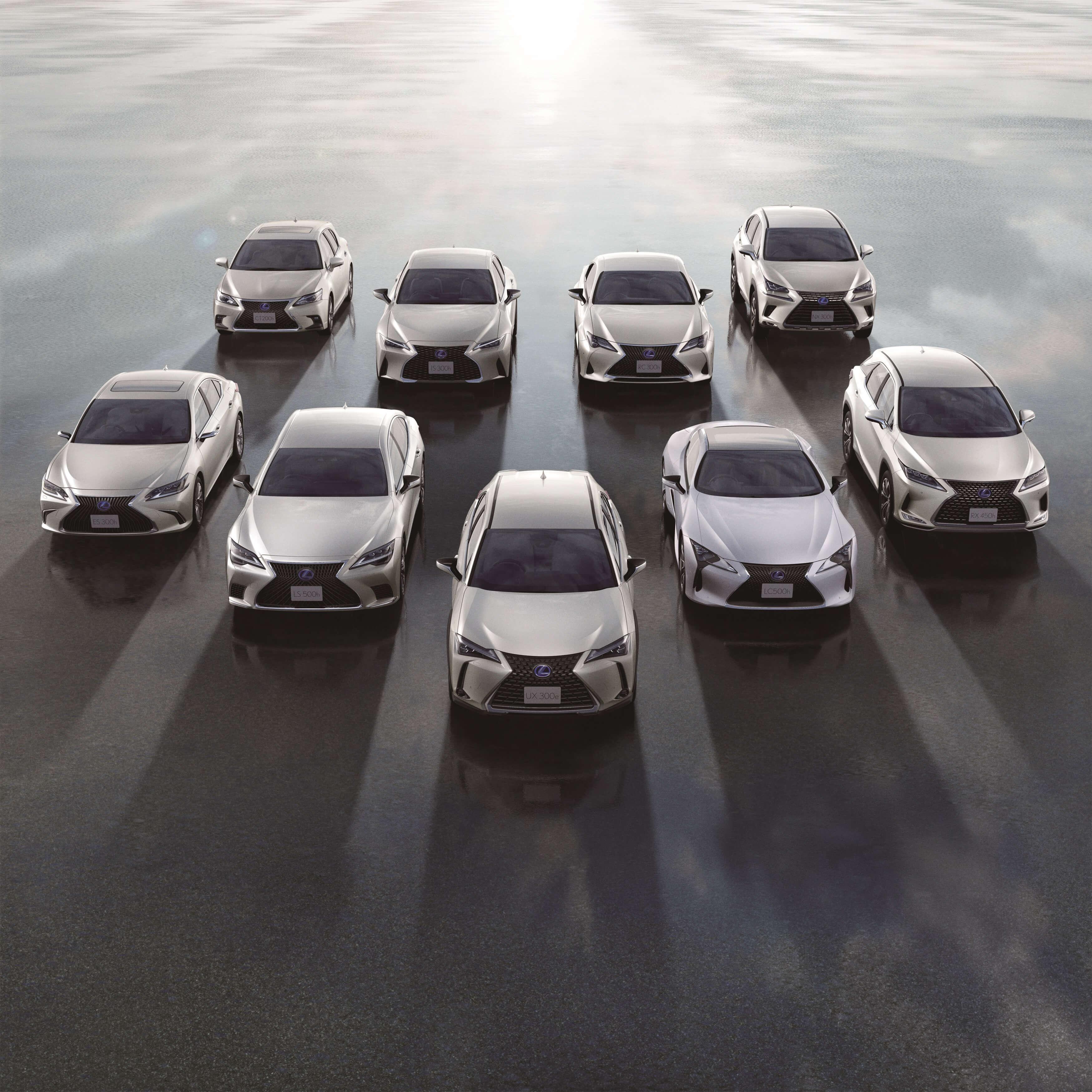 Lexus com vendas de 2 milhoes de carros eletrificados Image
