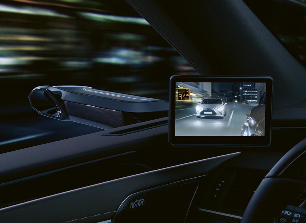 Lexus ES com espelhos retrovisores digitais