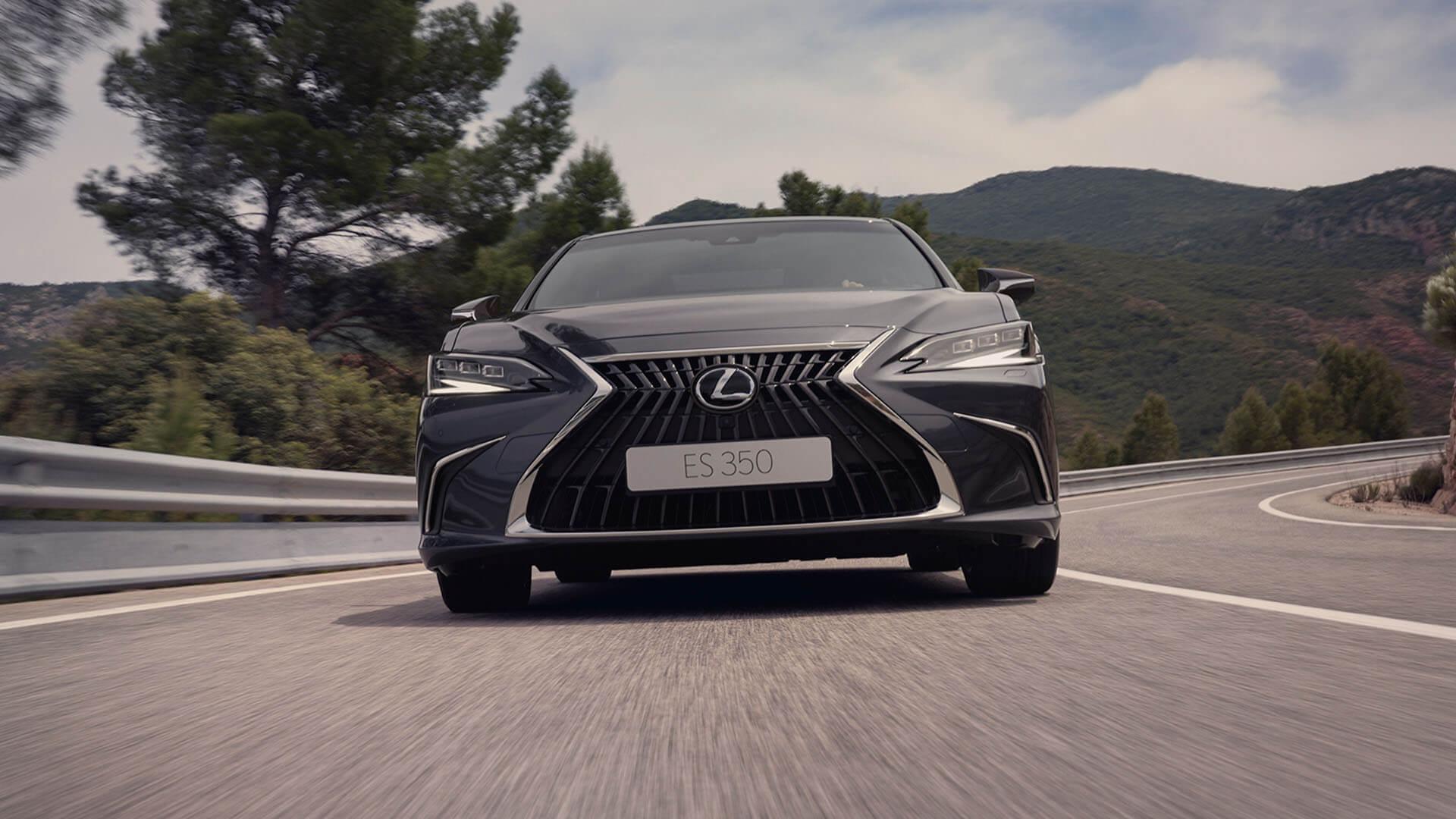 2022 RU lexus es experience exterior front new led headlights