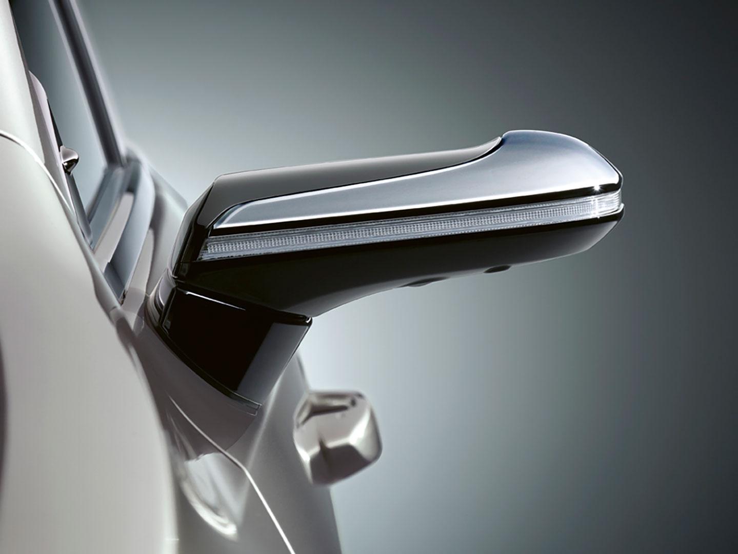 Lexus Dünyada Bi̇r İlk Olan Di̇ji̇tal Aynayi Türki̇ye'de Satışa Sundu gallery02