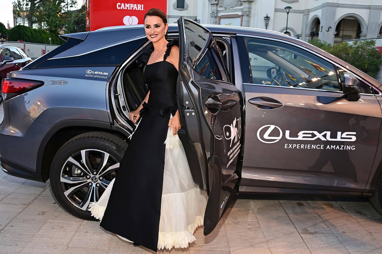 Lexus 78 Venedik Film Festivali'nde Yıldızları Ağırladı gallery05