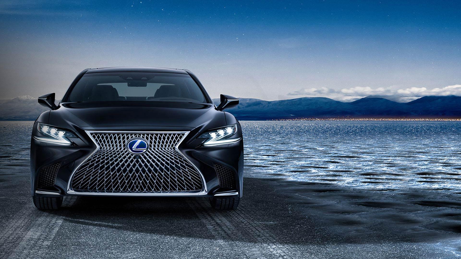 Lexus-LS-lüks-sedan-otomobil-önden-çekim-görüntü
