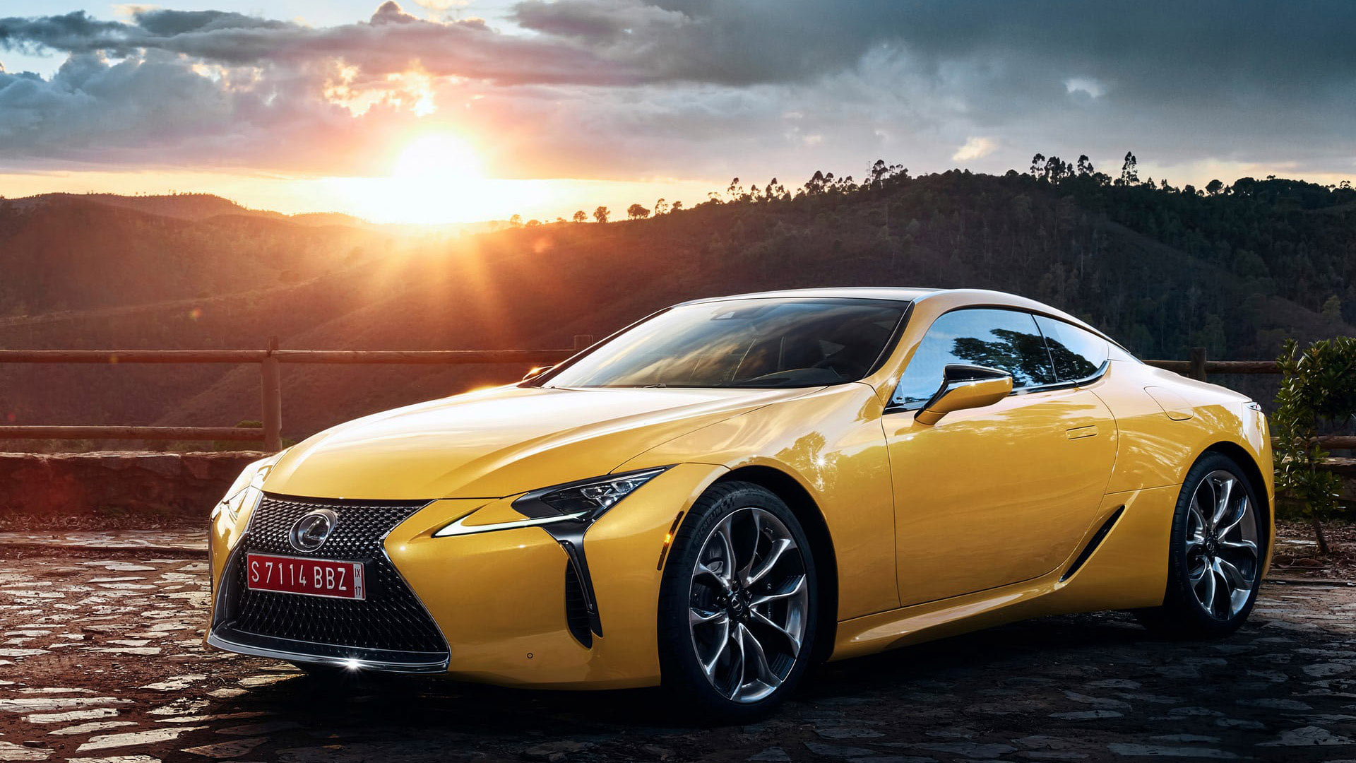 Lexus LC Yellow Edition gallery01 1920x1080 v2
