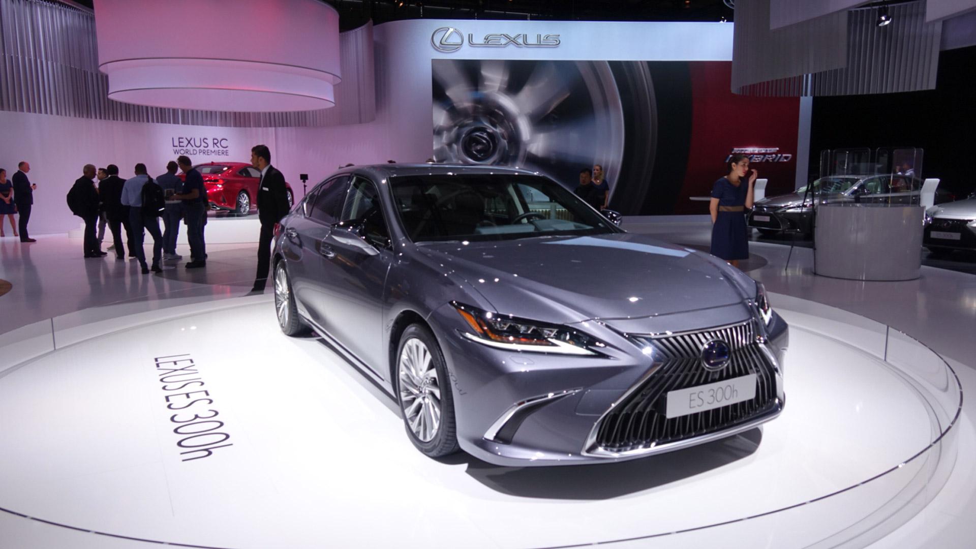 Lexus Paris Otomobil Fuari