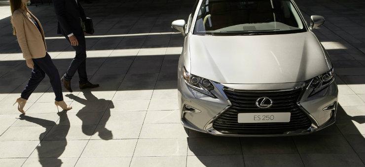 Lexus для дипломатів